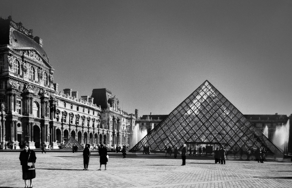 Courtyard of theLouvre