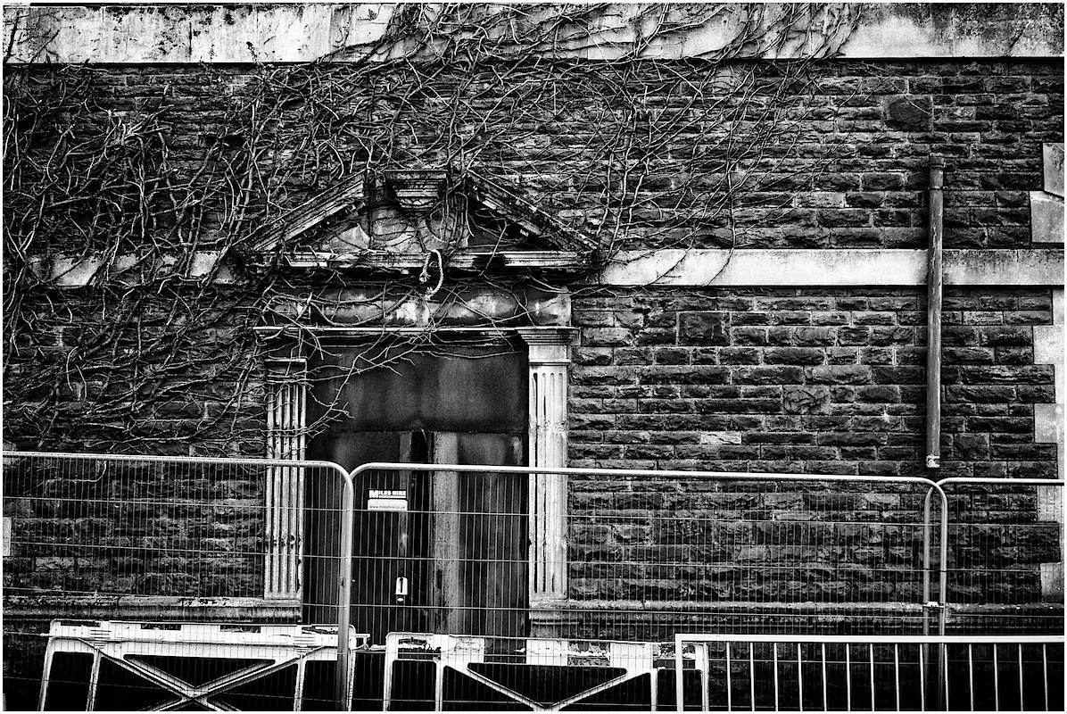 Libanus chapel, side entrance